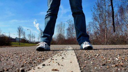 sidewalk-657906_640-min